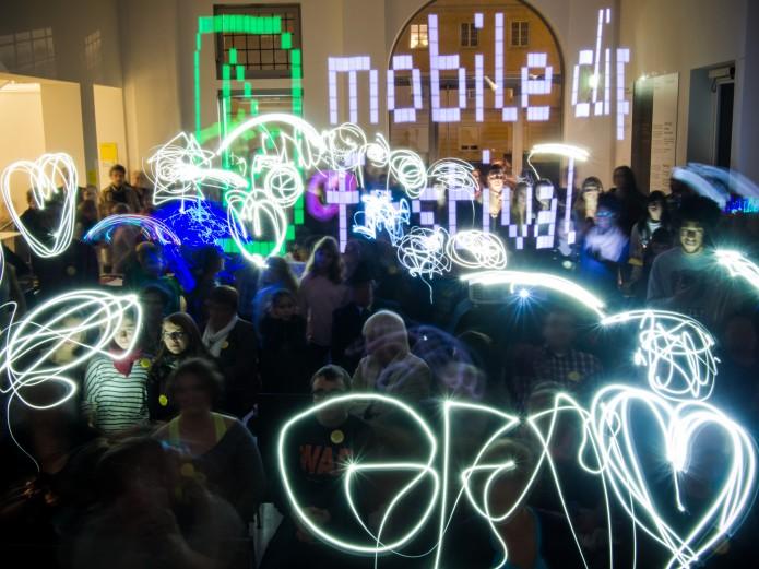 Gruppen Lightpainting beim mobile clip festival 2014