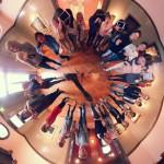 360gradACTION in der Villa Stuck gab es am 29. und 30.11.2016. Denn Schüler des Lion Feuchtwanger Gymnasiums erstellten fünf Actionbounds, die Spielern die Person Franz von Stuck sowie seine historischen Räumen näherbringen. Die virtuellen Schnitzeljagden können beim mobile clip festival am 9.12.2016 ab 18:00 gestestet werden. Unterstützt wurden die Medienpädagogen des Medienzentrum München bei dem Workshop von der Action Bound Expertin Katrin Fleischmann. www.mobileclipfestival.de/festival